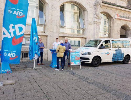 AfD-Bürgermobil in Ingolstadt: Spontaner Besuch der Stadträte Ulrich Bannert und Oskar Lipp